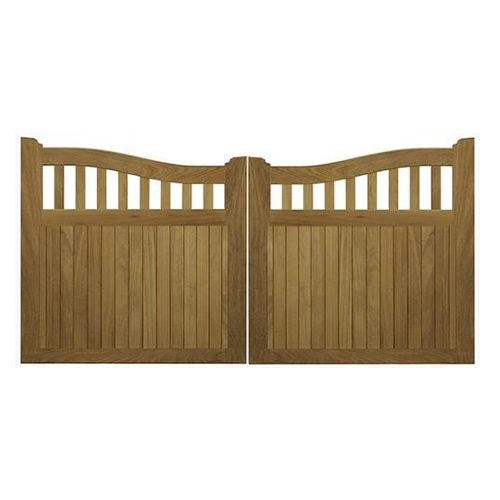 Made to order Beckington Gates by Charltons Gates