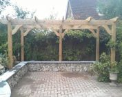 Pergola by Gardening Solutions