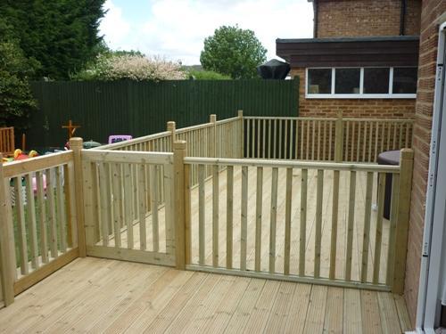 Balustrade - Newels, Handrails & Spindles